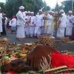 Tawur agung dan Tradisi Megebeg-gebegan di Buleleng