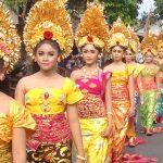 Tradisi Meeped di Sukawati Bali