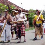 Tradisi Ngedeblag di Kemenuh