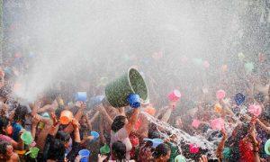 Tradisi Perang Air atau Siat Yeh di Gianyar