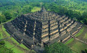 Candi Borobudur di Yogyakarta destinasi wisata terpopuler di Indonesia