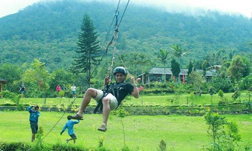 Flying Fox di Agro Puncak Bukit Catu Bedugul