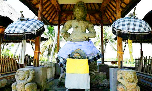 Arca Bhairawa di Pura Kebo Edan