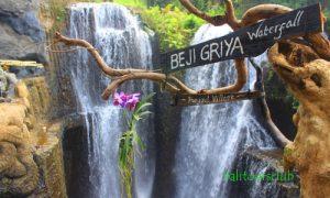 Beji Griya Waterfall di Punggul - Badung