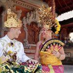 Foto Busana Adat Bali outdoor di Batubulan