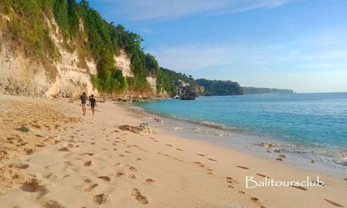 OBjek wisata pantai Cemongkak