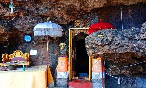 Pura Goa Gong Jimbaran