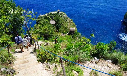 Akses jalan ke Raja Lima Nusa Penida