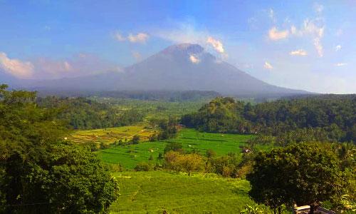 Objek wisata Bukit Cinta desa Gelumpang