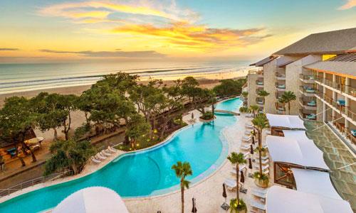 Hotel di pinggir pantai Seminyak Bali