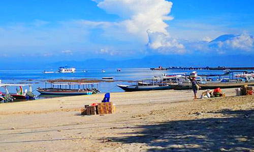 Pelabuhan Toya Pakeh di Nusa Penida