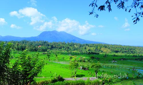 Gunung Lempuyang di Karangasem