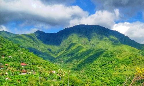 Objek wisata Bukit Mencol Karangasem