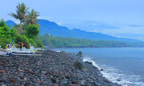 Objek wisata pantai Ujung Karanagsem