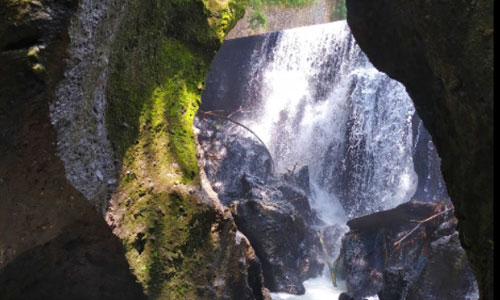 Air Terjun Bandung di Gianyar