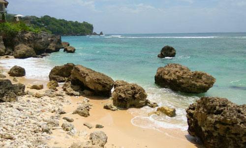 Pantai Pemutih Tujuan Wisata Terbaru Di Pecatu Bali