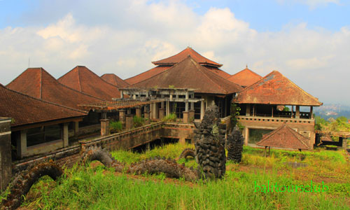 The Ghost Palace - Wisata Mistis hotel horor di Bedugul Bali