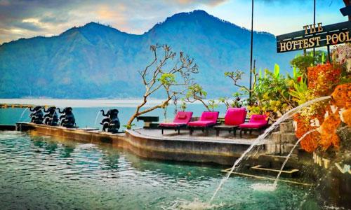 pemandian air panas Toya Devasya di Batur Kintamani