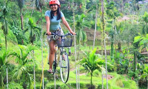 Sky Bike di Hidden Valley Tunggir Tegalalang