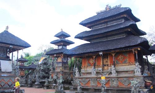 Bali pulau seribu pura