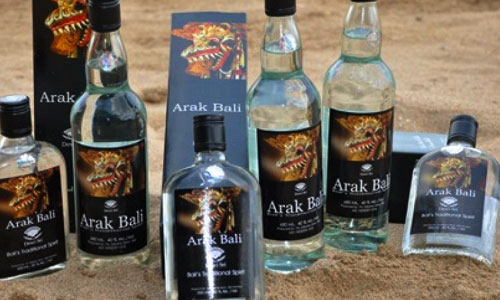 Arak Bali dalam botol kemasan