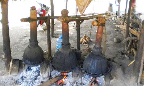 Proses pembuatan arak Bali
