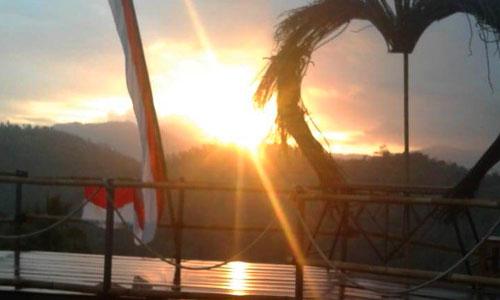 Sunrise di Lembah Wenara