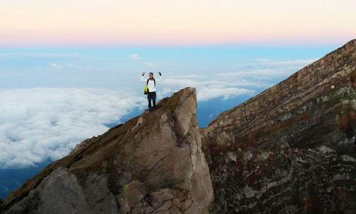 Gunnung Agung - tempat rekreasi trekking di Bali
